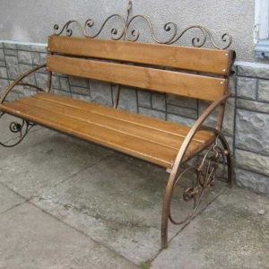 Кованые скамейки Деревянная скамейка с кованым основанием Арт. СК-001 Norkovka