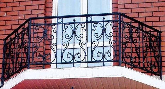 Кованые балконы Чёрный кованый балкон Арт. Б-008 Norkovka