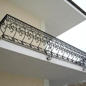 Кованые балконы Изящный кованый балкон Арт. Б-010 Norkovka