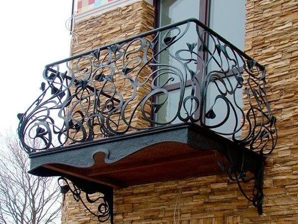 Кованые балконы Красивый балкон с металлическим основанием Арт. Б-015 Norkovka
